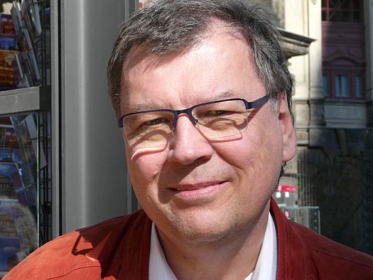 "Dr. Hans Ulrich Jordan<br><a href=""https://Miniwell.de"">Miniwell.de</a>"